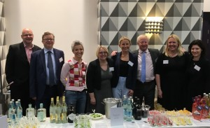 LawNet members showcase English gins to their European counterparts at the 2017 Eurojuris congress in Brussels